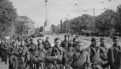 1944. gads: Eiropas atbrīvošana no nacistiem, latvieši bēg no mājām