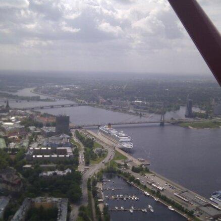 Rīgas ostā astoņos mēnešos apkalpoti ap 1100 kruīzu kuģu pasažieru
