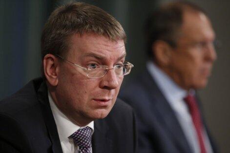 Rinkēvičs liedz ieceļot Latvijā 49 ar Magņitska lietu saistītām personām
