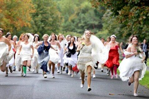 Tie dīvainie stāsti, kad precinieks aizbēg no savām kāzām