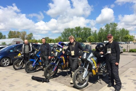 Ceļā uz brīvību – latviešu dēkaiņi ar močiem dodas apceļot Kaukāzu