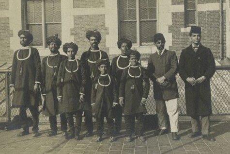 Unikāli arhīva kadri: Kā izskatījās bēgļi pirms 100 gadiem