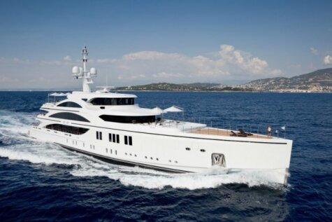 У — Уныние. 35 фото интерьеров супер-яхт, вызывающих приступ жалости к владельцам