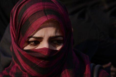 Islāma ekspertu padomi, kā vislabāk sist savu sievu