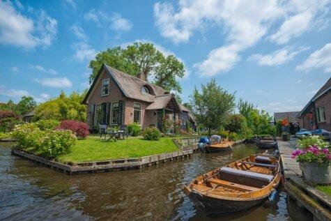 Pilsēta bez bedrēm uz ceļiem - Githorna Nīderlandē