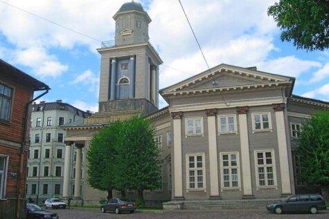 Ieskats piecās apburošās koka baznīcās Latvijā