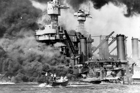 Атаке на Пёрл-Харбор ровно 75 лет: 25 исторических фото, которые мало кто видел