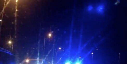 Policija noķer huligānu