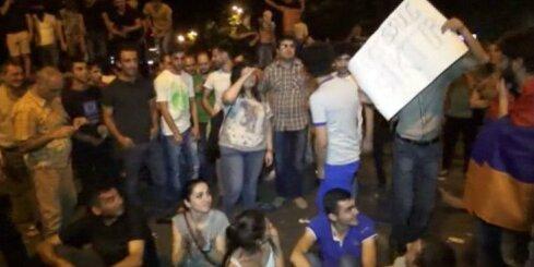 Armēnijā jau nedēļu ilgst protesti pret elektroenerģijas cenu paaugstināšanu