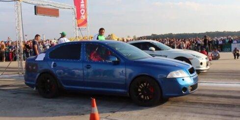 Divmotoru 'Škoda Octavia' pret 'Nissan GT-R'