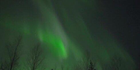 Somijā novērota brīnumskaista ziemeļblāzma