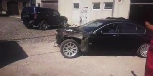 Kā 'kaktu servisā' iztaisno avarējušu BMW