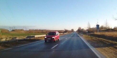 Uz Daugavpils šosejas auto traucas pretējā virzienā pa vienvirziena brauktuvi
