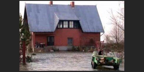 Plūdi Jelgavā - iespaidīgākie momenti. Aculiecinieka video