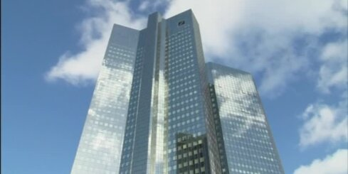 'Resnā pirksta' kļūme: 'Deutsche Bank' kādam vīram aizskata sešus miljardus ASV dolāru