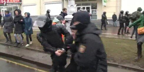 Baltkrievijā policija aiztur sirmgalvjus