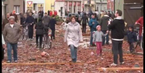 На небольшой город на севере Германии обрушился торнадо