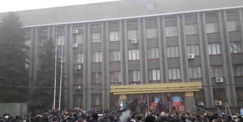 Makijivkā paceļ 'Doņeckas Republikas' karogu