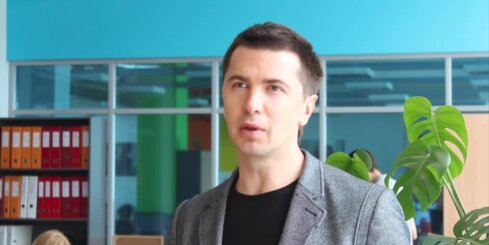 Dzejnieces Māras Zālītes dēls Jānis Ķuzulis stāsta par pieredzēto 'Baltijas ceļa' akcijā