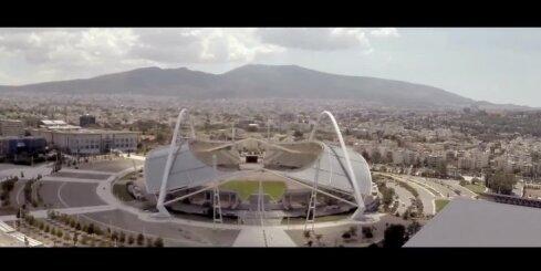 Latvietis Blūms, igaunis Kangars un Lietuvas fans Sekla tiekas reklāmas klipā
