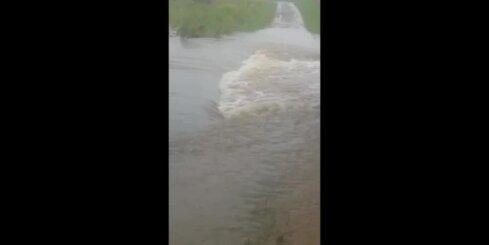 Baltinavas novadā plūdi skalo ceļus