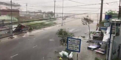 Vjetnamā plosās spēcīgs taifūns