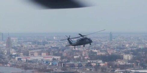 Rīga no ASV īpašo uzdevumu 'Black Hawk' lidojuma