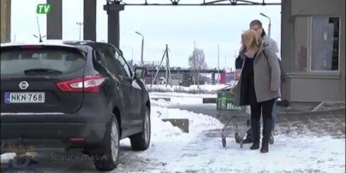 Igauņi masveidā brauc iepirkties uz Latviju; varētu slēgt veikalus