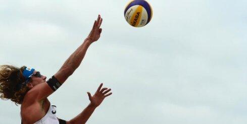 Samoilovs/Šmēdiņš triumfē apakšgrupā; Pļaviņš/Regža 'Grand Slam' turnīru noslēdz 25.vietā
