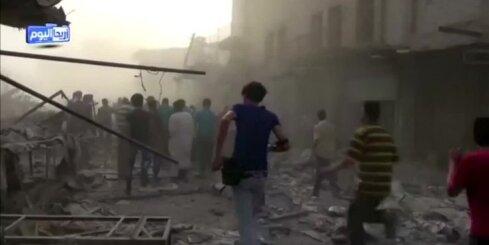 Sīrijas pilsētas tirgus placī nogāžas Asada režīma lidmašīna