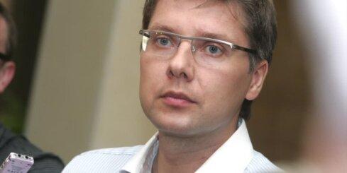 DP vērtēs vairākus iesniegumus par Ušakova karikatūru sociālajos tīklos