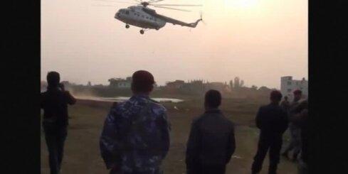 Nepālā lidmašīnas avārijā iet bojā piloti, deviņi pasažieri izdzīvo