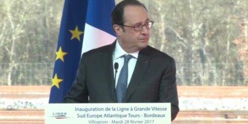 Francijas prezidenta runas laikā snaiperis netīšām ievaino divus cilvēkus