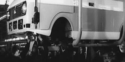 Arhīva video: Mikroautobusu rūpnīcas RAF atklāšana Jelgavā, 1976. gads