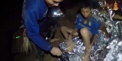 Alā Taizemē iesprostotie bērni