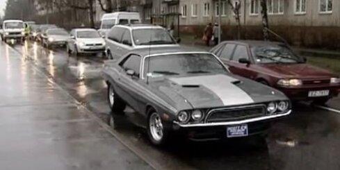 'Dodge Challenger': auto - kinozvaigzne