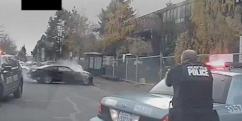 Sietlā iespaidīga policijas pakaļdzīšanās ar bēdzēja nošaušanu