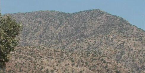 Turcijas tanki apšauda kurdu ieņemtu ciemu Sīrijā