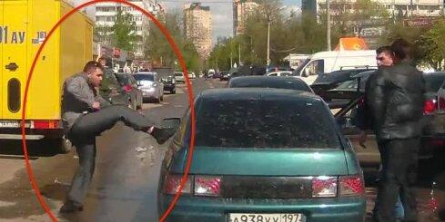 Krievijas satiksmē varmāka kļūst par upuri