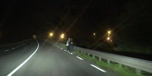 Тысячи нелегальных мигрантов штурмовали туннель под Ла-Маншем