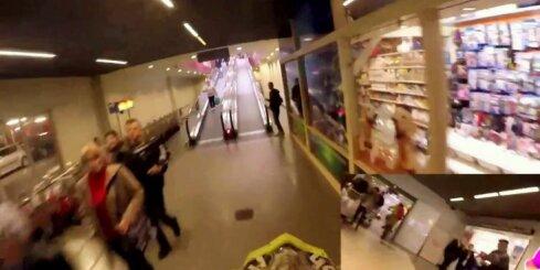 Poļu jaunietis ar motociklu izbrauc caur lielveikalu