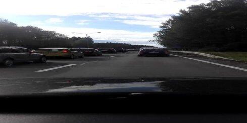 Automašīnu sadursme uz Jūrmalas šosejas