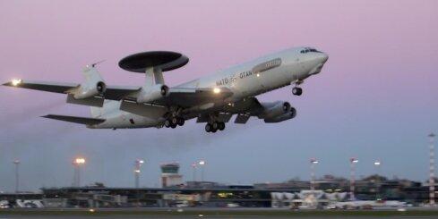 Rīgā piezemējas NATO AWACS lidmašīna