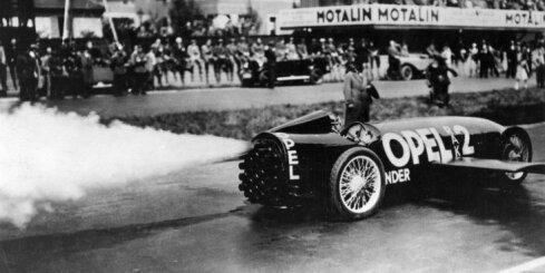 Pirms 90 gadiem 'Opel' uzstādīja ātruma rekordu – 238 km/h