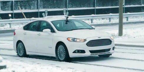 'Ford' izmēģina bezpilota automobiļus ziemas apstākļos
