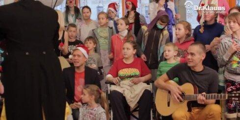 Muzikāls sveiciens ikvienam no mazajiem pacientiem un Dakteriem Klauniem