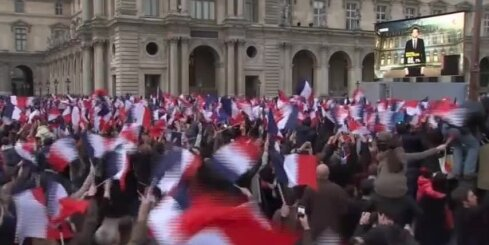 Francijā līksmo Makrona atbalstītāji