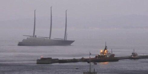 Gibraltārā arestēta Krievijas miljonāram uzbūvētā lielākā jahta pasaulē