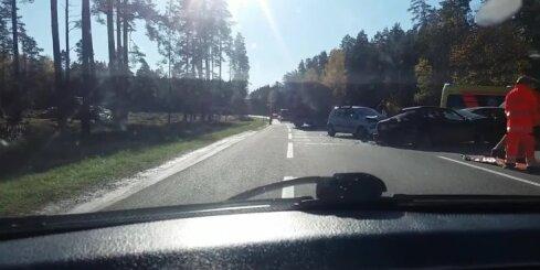 Smaga autoavārija uz Tallinas šosejas