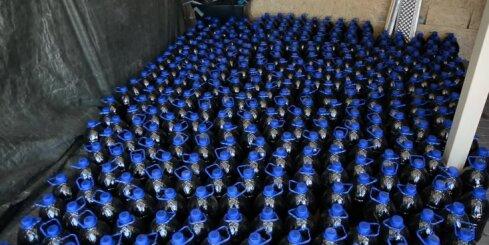 Policija Stopiņu novadā uziet vērienīgu pagrīdes alkohola ražotni